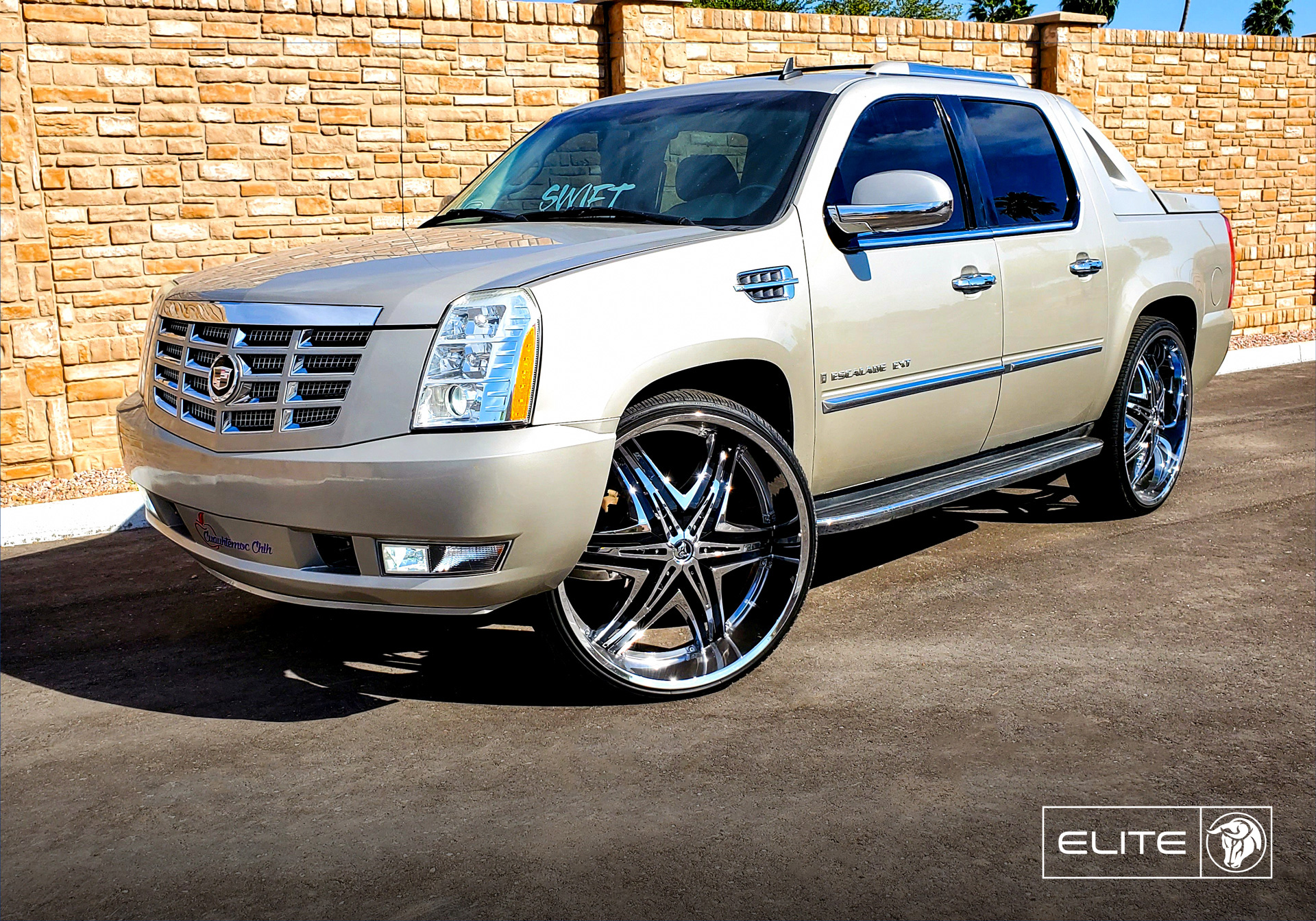 Diablo Wheels - Elite on a Cadillac Escalade EXT Tan