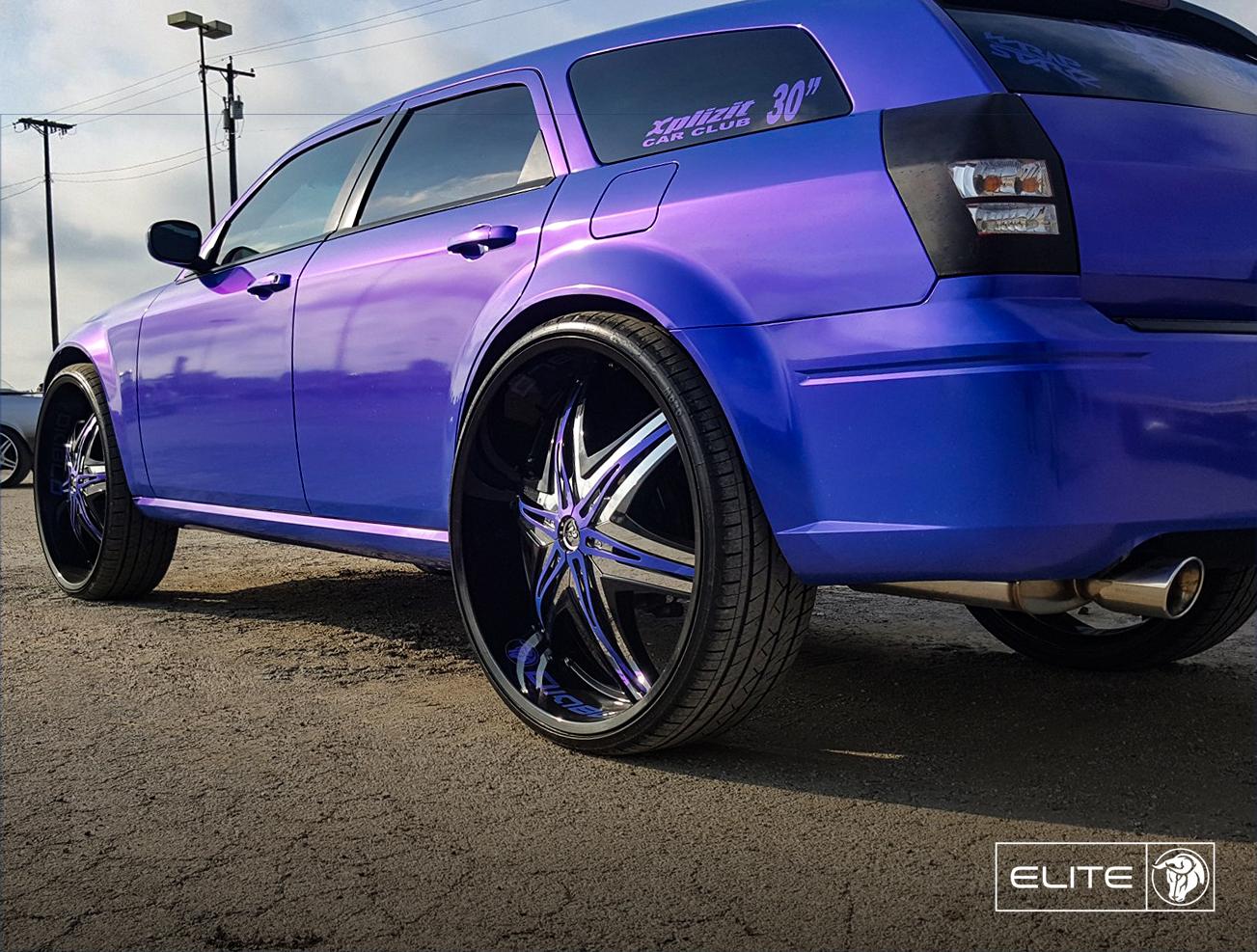 Diablo Wheels - Elite on a Dodge Magnum Purple