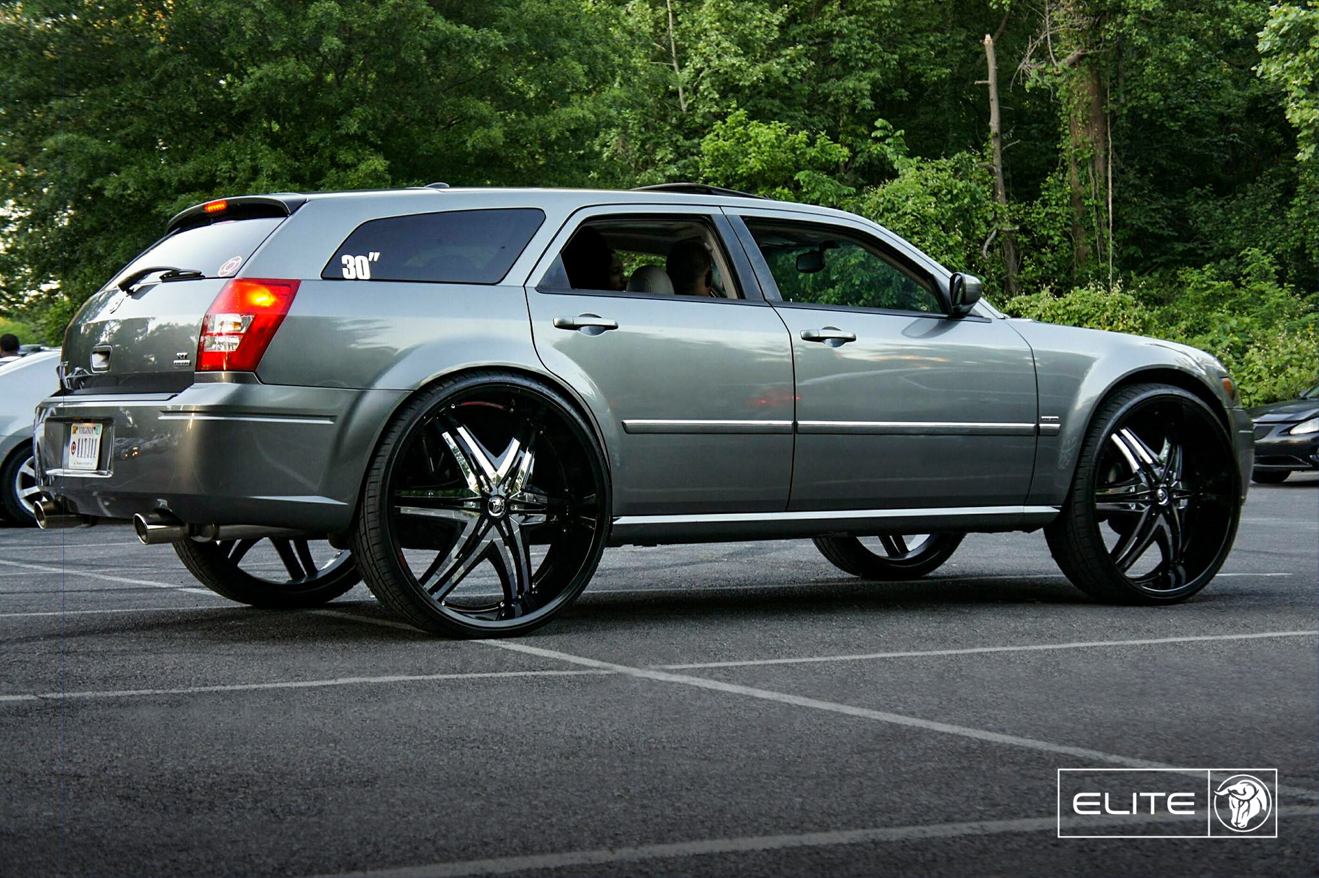 Diablo Wheels - Elite on a Dodge Magnum