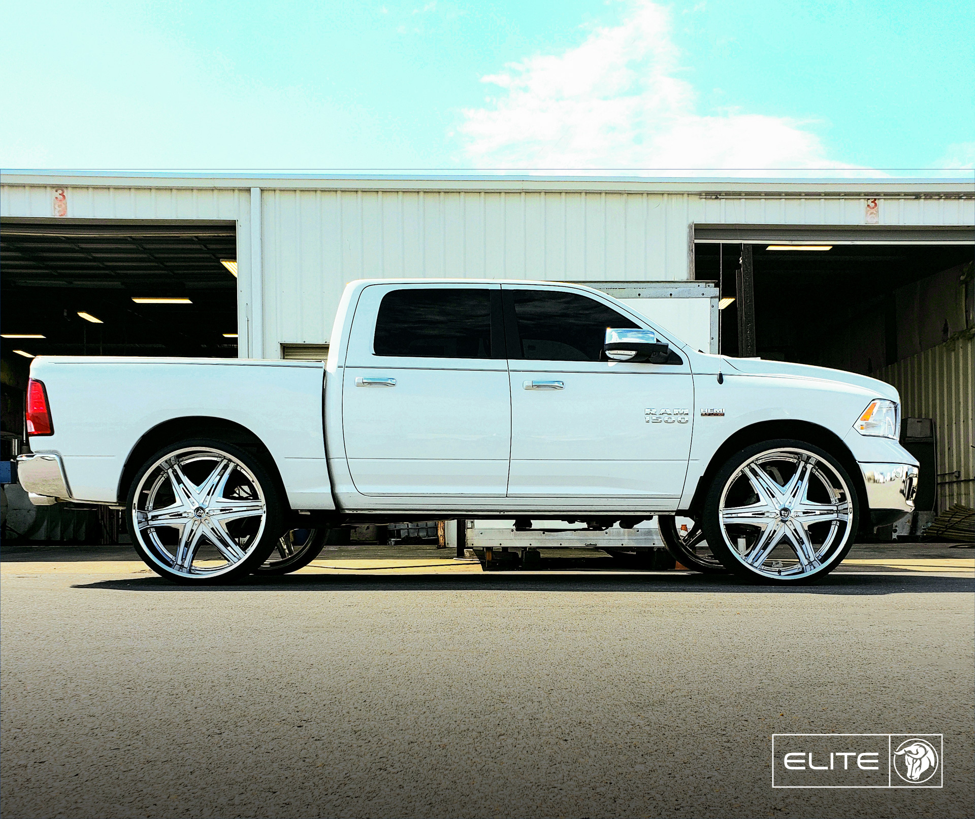 Diablo Wheels - Elite on a RAM 1500 White