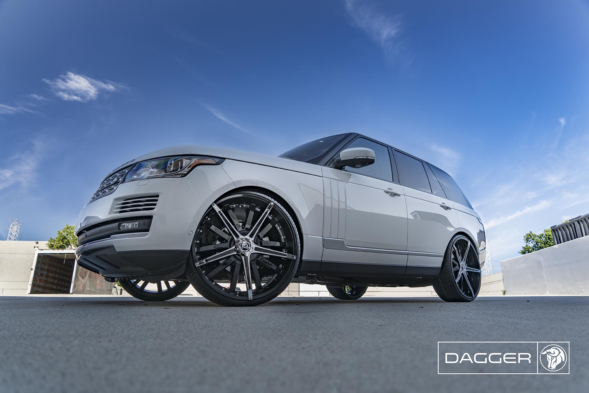 Black Diablo Dagger Wheels on a Land Rover Range Rover