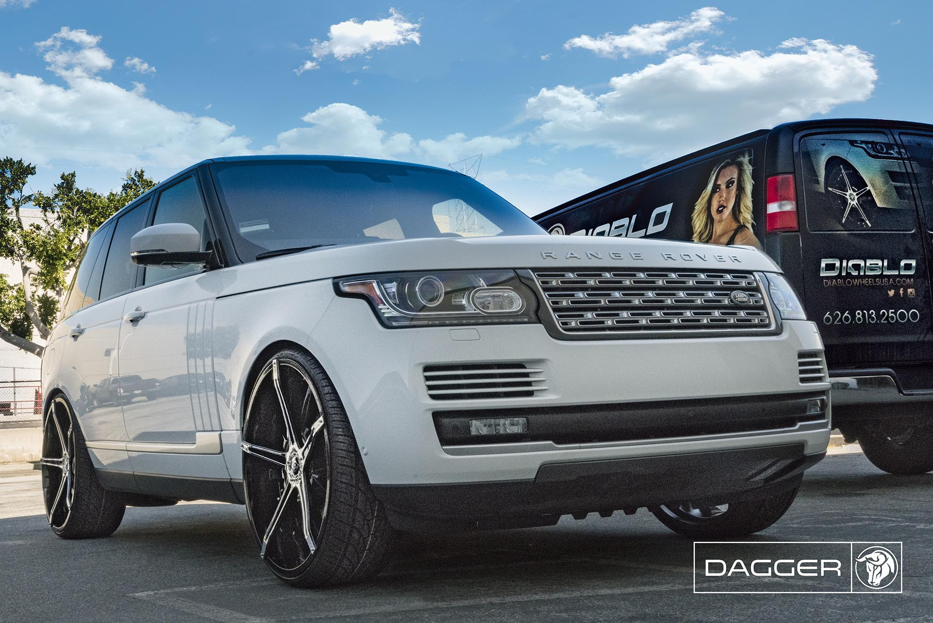 Black Diablo Dagger Wheels on a Land Rover Range Rover