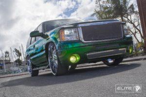 30″ Chrome Diablo Elite Wheels on a GNC Yukon