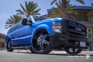 Black Diablo Elite G2 Wheels on a Ford Excursion